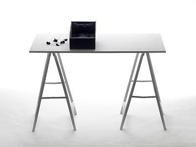 http://pacea.fr/Director/albums/album-83/lg/DayDreamsShoeBox_InstallationSculpture_FrontalView_AlexandraLoewe__Copier_.jpg